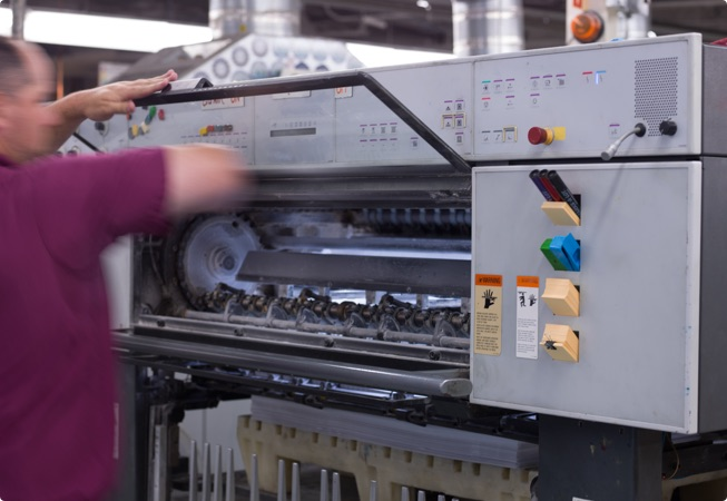 Expanded our capabilities with the Heidelberg 8 color UV-capable press